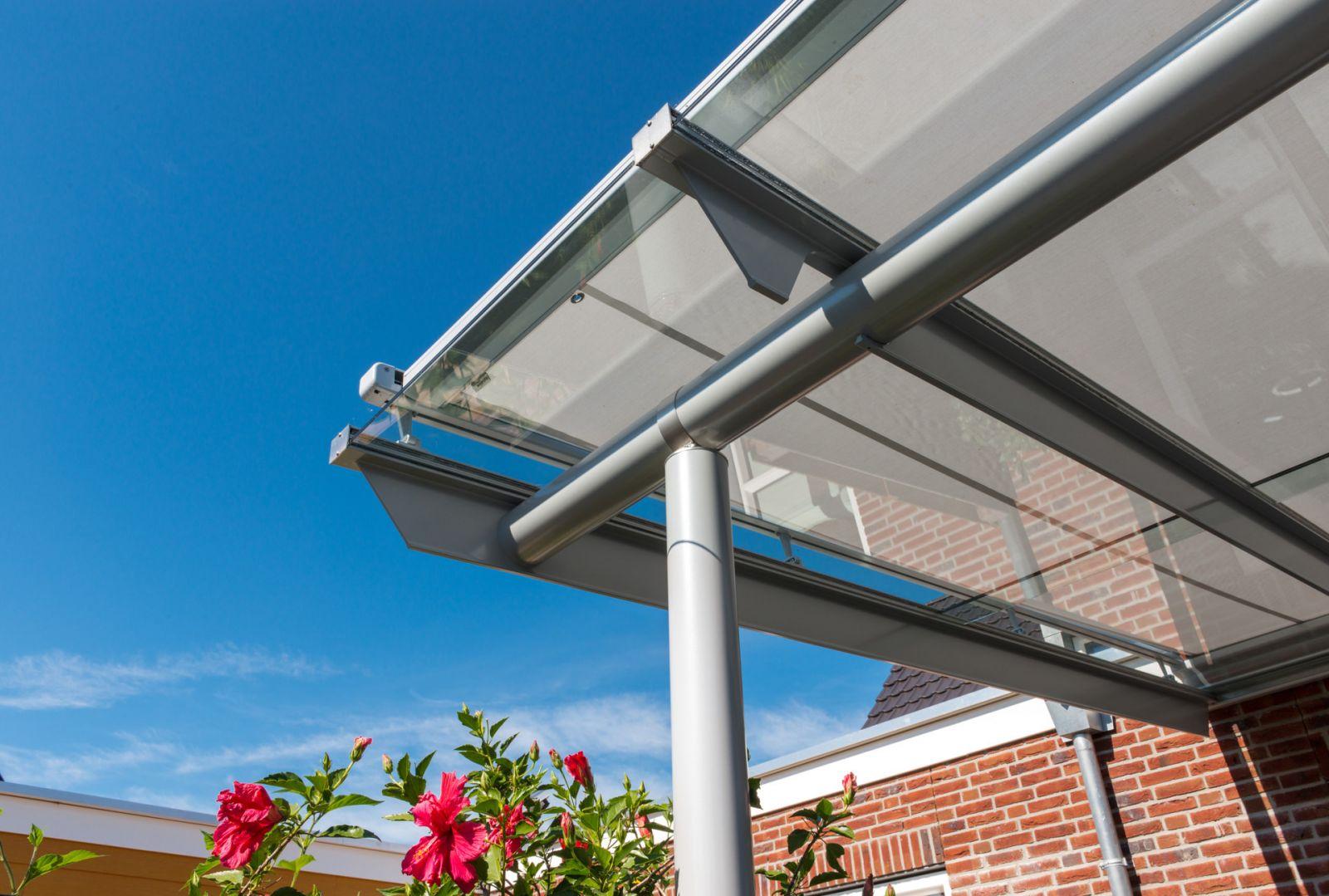 Teraszfedés: Solarlux Anova üvegtető árnyékolással