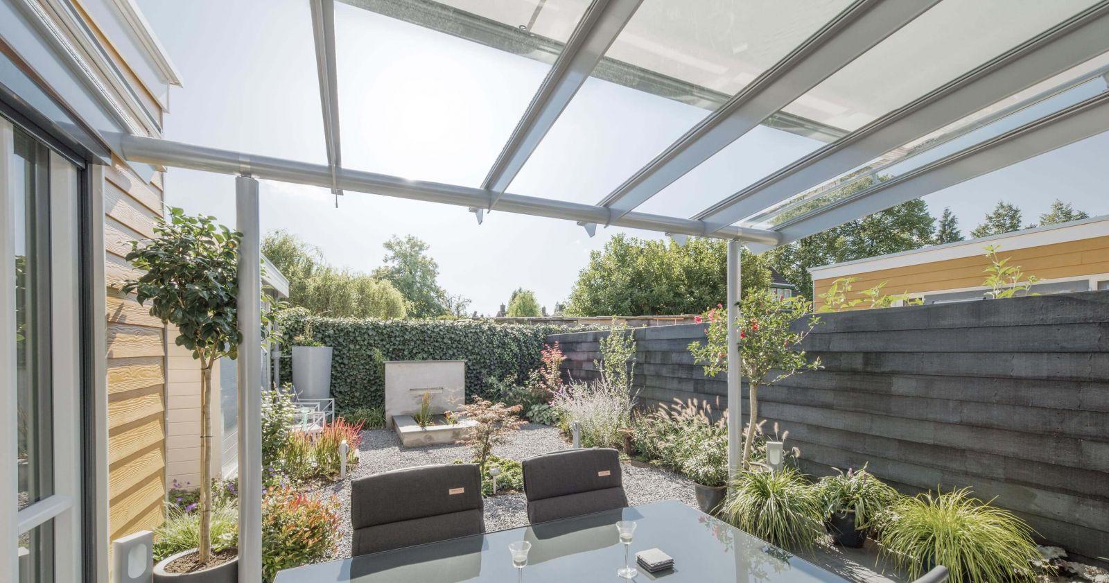 Solarlux Anova üvegtető árnyékolóval